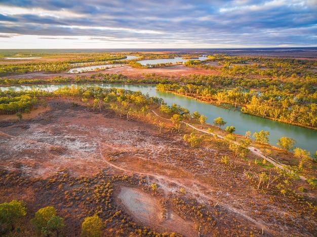 日没で南オーストラリア州を流れるマレー川