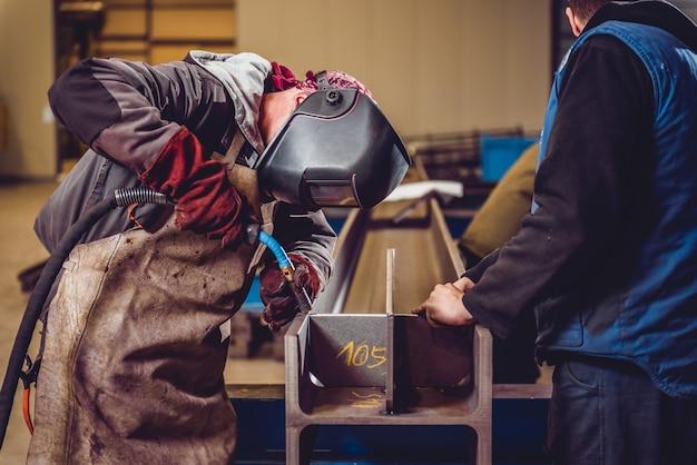 トーチ付き工業用溶接機