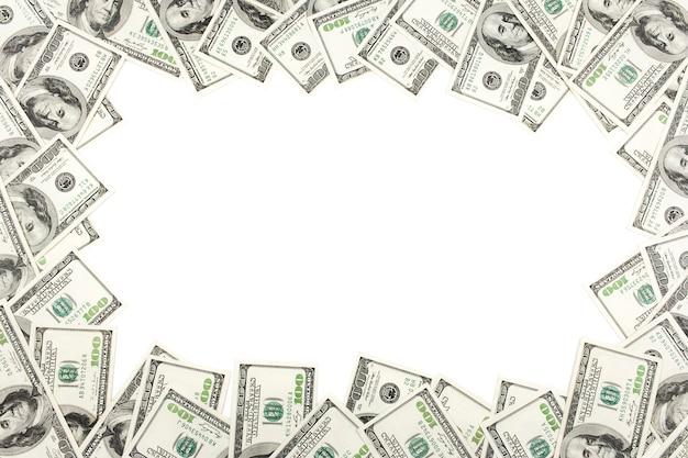 Рамка с деньгами американских сто долларовых купюр с на белый. изолированный