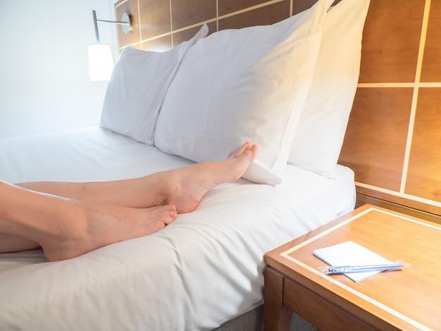 Элеган т и уютный дом и интерьер спальни отеля