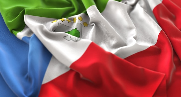 赤道ギニアの旗が美しく包まれてマクロのクローズアップショットを振って