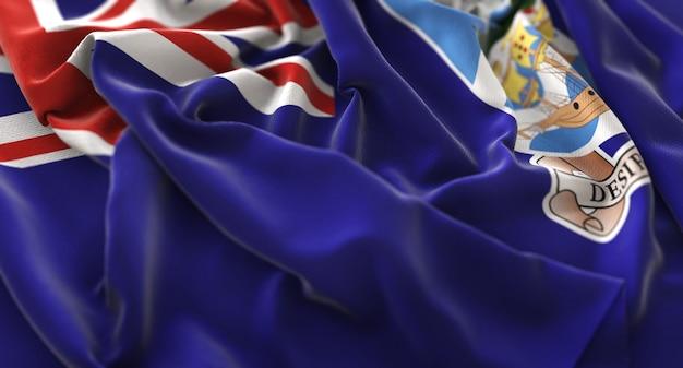 フォークランド諸島の旗が美しく波打ち際に浮かび上がっている