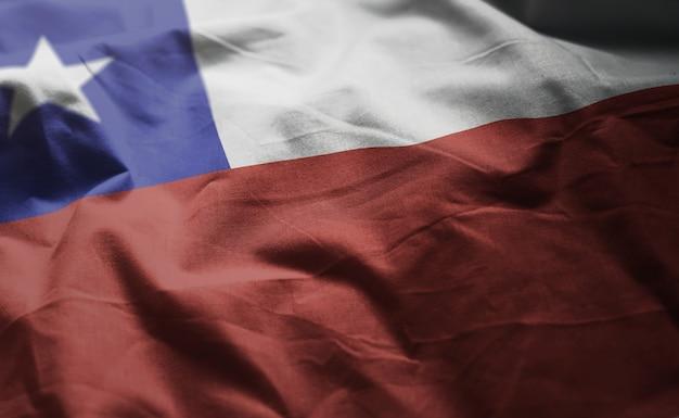 しわくちゃのチリの国旗をクローズアップ