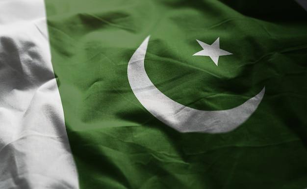 パキスタンの国旗のしわくちゃのクローズアップ