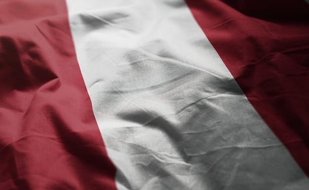 Флаг перу помятый крупным планом