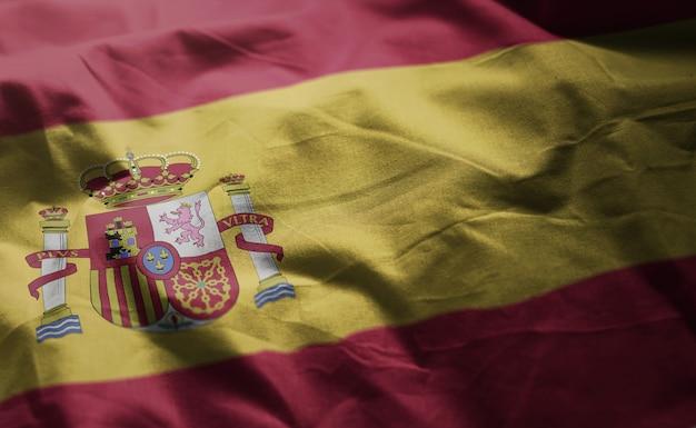 スペイン国旗のしわくちゃのクローズアップ