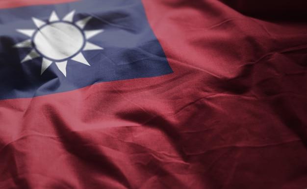 Тайваньский флаг помят крупным планом