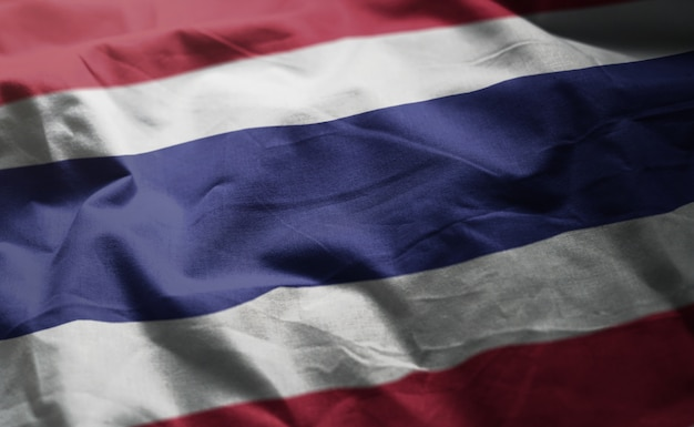 しわくちゃのタイの国旗をクローズアップ