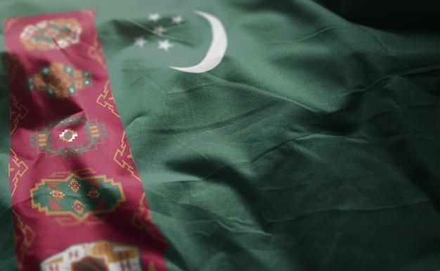 トルクメニスタンの国旗のしわくちゃのクローズアップ