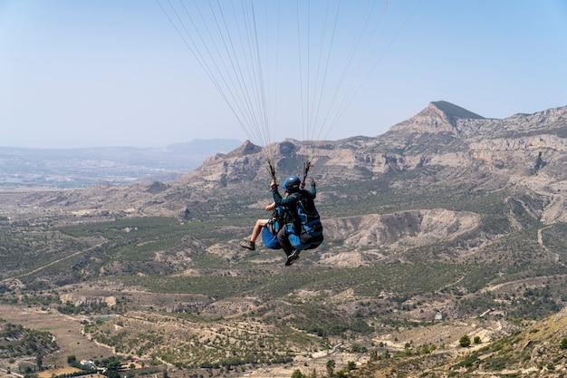 Полеты на параплане на склоне паломарета.
