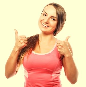 Фитнес женщина в спортивном стиле