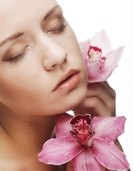 ピンクの花と美しい女性