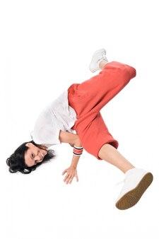 パフォーマンスの女性ヒップホップダンサー