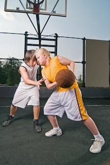 バスケットボール対戦