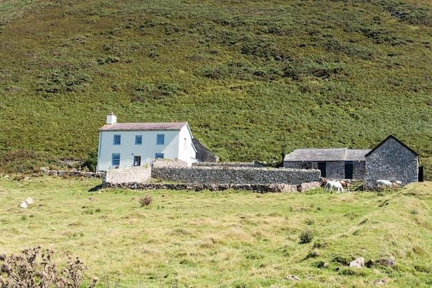 Старинный фермерский дом в уэльсе