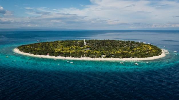 Остров баликасаг, изолированный остров на филиппинах
