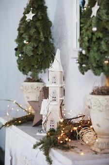クリスマスの装飾。クリスマス。冬休み。写真を閉じる