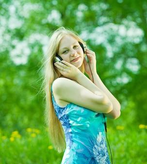 女の子が聴く音楽