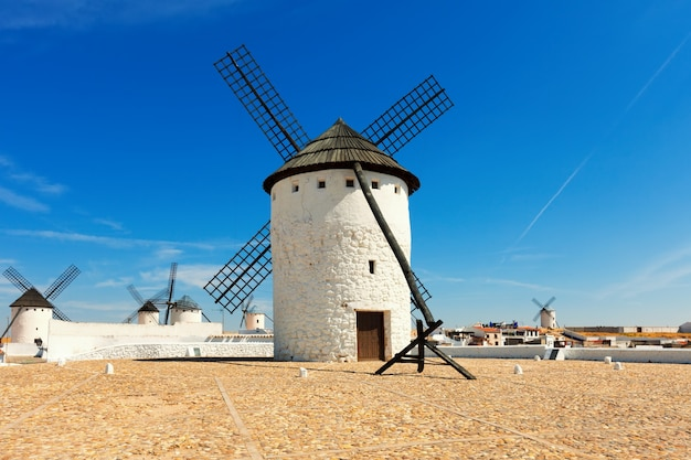 Ветряные мельницы в кампо-де-криптана