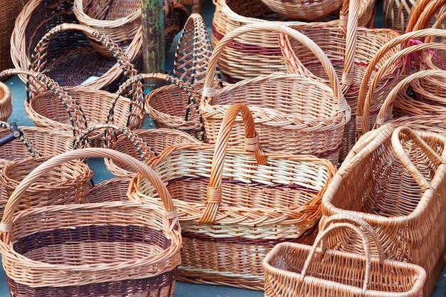 Плетеные корзины для продажи