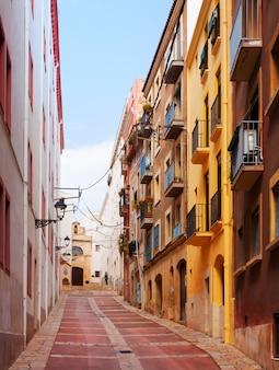 ヨーロッパの町の一般的な通り。タラゴナ