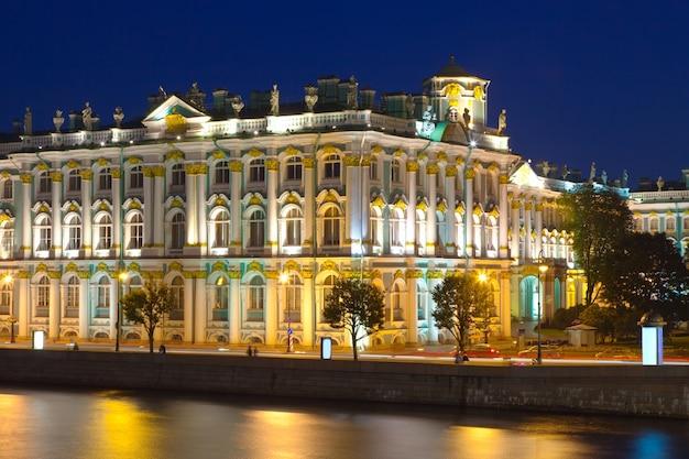 サンクトペテルブルクの冬の宮殿