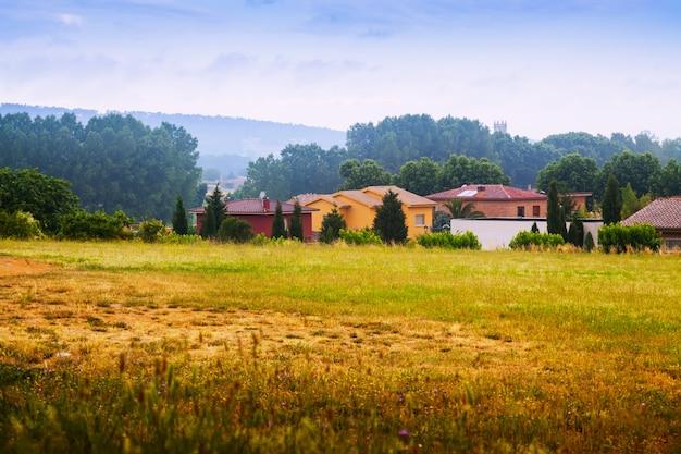 Вид на сельскую местность. каталония, испания