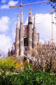 Вид на собор святого семейства