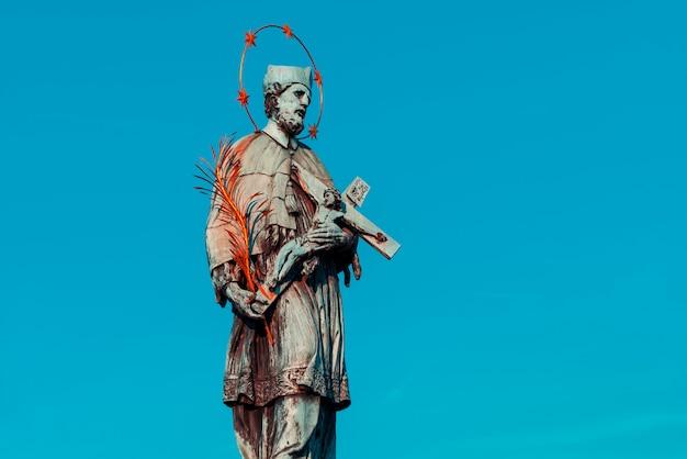 カレル橋のジョンのネポムク像のジョン。プラハ、チェコ共和国