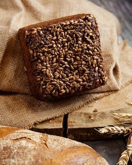 ヒマワリの種のライ麦パン