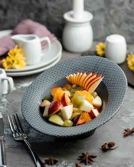 プレートの果物
