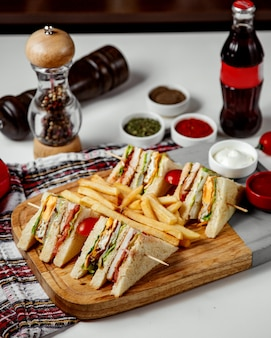 フライドポテトのサンドイッチ