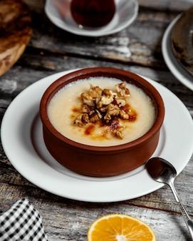 Турецкий традиционный восторг с грецким орехом
