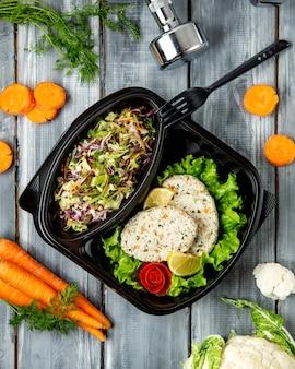 Травяной салат с овощными котлетами