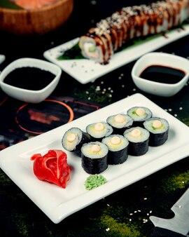 醤油入り寿司