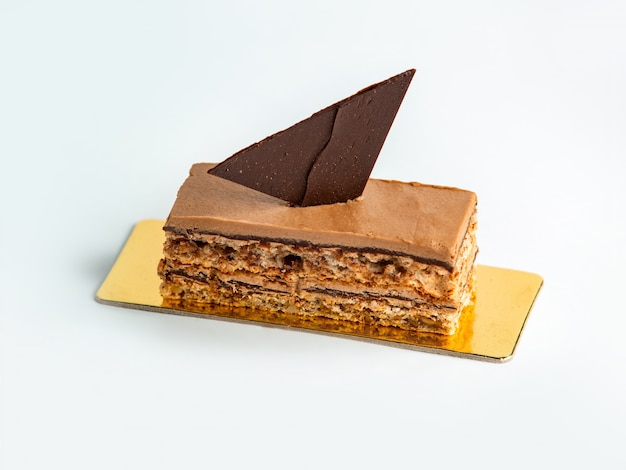 チョコレートとクルミの部分カカオケーキ