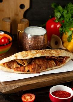 Донер в хлебе с мясом и айраном