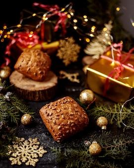 Мини буханка хлеба и подарочная коробка