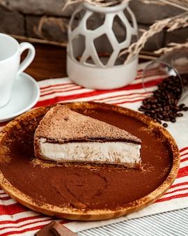 チョコレートチーズケーキの側面図