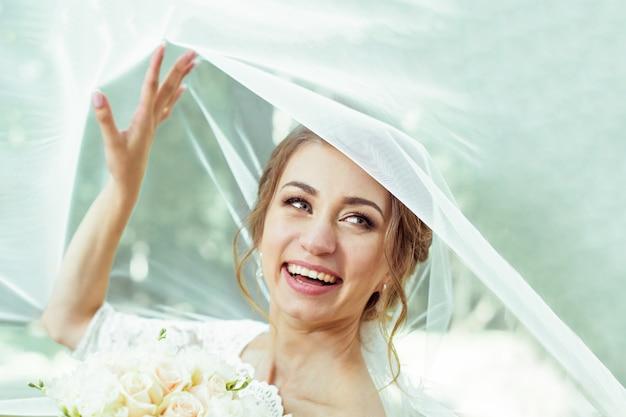 ベールの下の花嫁