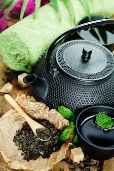 アジアのお茶セットとスパの設定