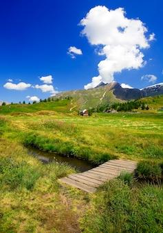 Красивый альпийский пейзаж