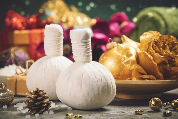 クリスマスの装飾とスパお祝いデコレーション