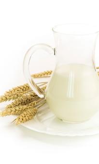 瓶と穀物の牛乳