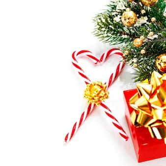 Рождественские конфеты и украшения