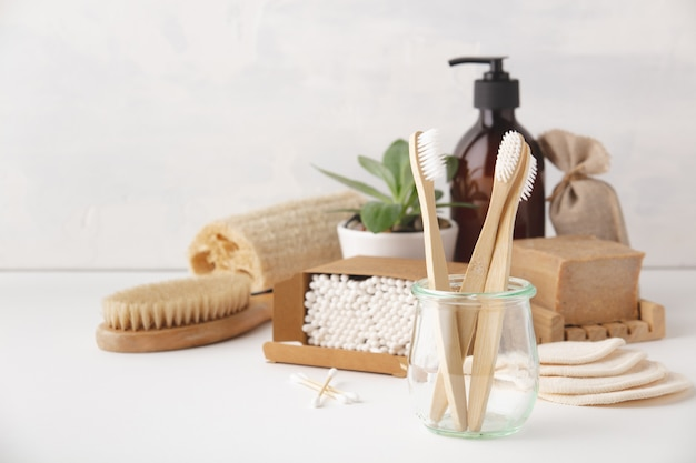 Ноль отходов концепции. экологичные аксессуары для ванной