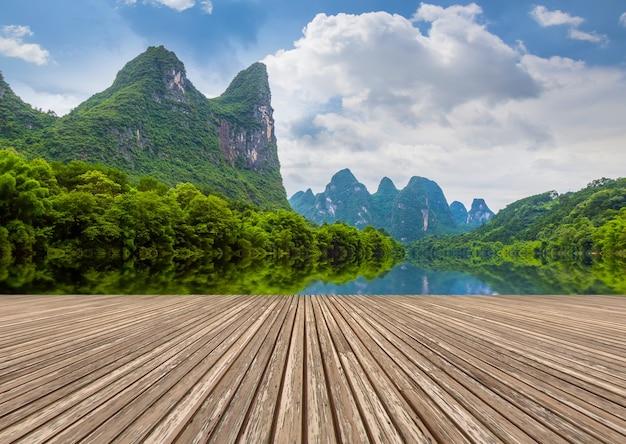 自然の風景の里田舎の竹屋外