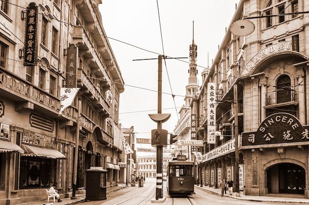 Красивый старый вид на город