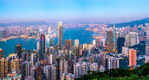 香港の都市スカイラインと建築景観夜景