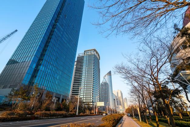 青島の美しい近代的な都市建築景観